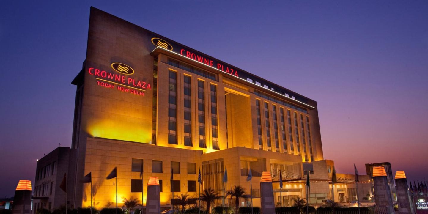 crowne-plaza-new-delhi-3905168365-2x1