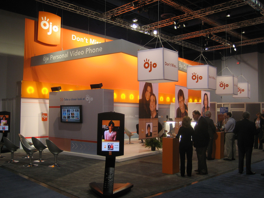Exhibition Booth Budget : Creating a buzz around your trade show booth big ways to